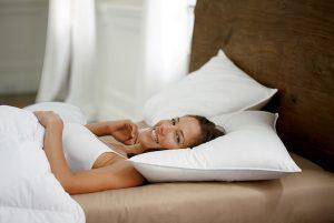 almohada para durmientes de espalda
